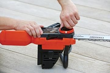 Black + Decker 18 V Lithium Akku-Kettensäge, 25 cm Schwertlänge, maximal Schnittleistung Durchmesser 180 mm, inklusive Lithium-Akku und Ladegerät, GKC1825L20 - 6